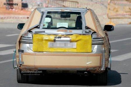 Гибридный хэтчбэк Toyota Corolla