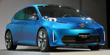 В линейке гибридов Toyota Prius появится маленький хэтчбек